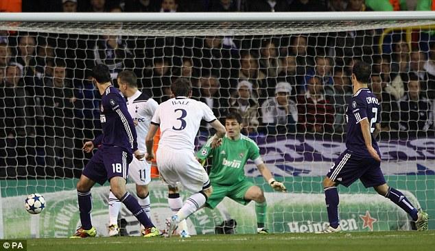 Гарет Бэйл в атаке Тоттенхэм Хотспур – Реал Мадрид 0:1