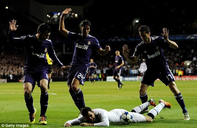 Сандро сбит в чужой штрафной, но судья молчит Тоттенхэм Хотспур – Реал Мадрид 0:1