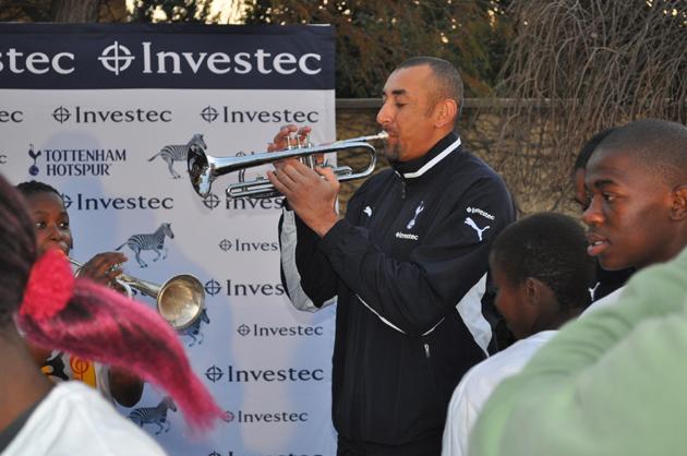 Эурелио Гомес - трубач: «Тоттенхэм Хотспур» и «Alexander Field Band» в ЮАР