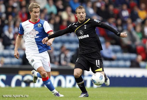 Рафаэль ван дер Ваарт и Мортен Гамст Педерсен в матче Блэкберн - Тоттенхэм 1:2