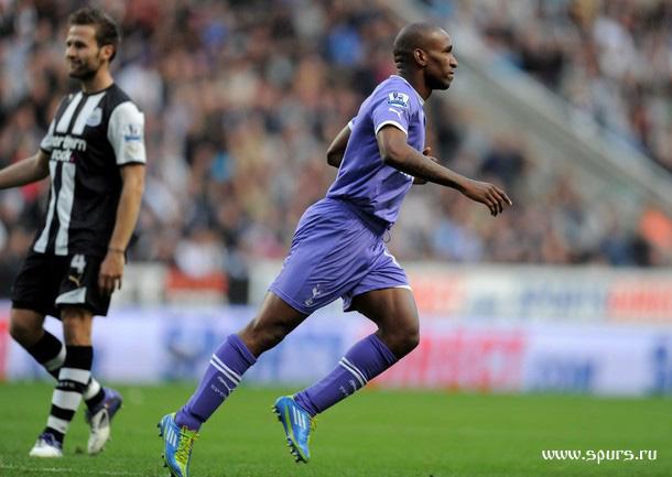 Джермейн Дефо только что забил гол в матче Ньюкасл - Тоттенхэм 2:2