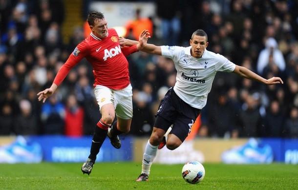 Джейк Ливермор и Фил Джонс  в матче Тоттенхэм Хотспур - Манчестер Юнайтед 1-3