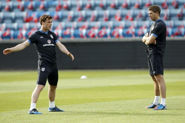 Скотт Паркер и Стивен Джеррард на тренировке сборной Англии в Осло 25-го мая