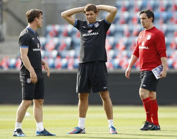 Скотт Паркер и Стивен Джеррард  на тренировке сборной Англии в Осло 25-го мая перед товарищеским матчем с Норвегией
