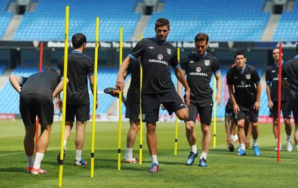 Скотт Паркер и Стивен Джеррард  на тренировке сборной Англии в Манчестере 24-го мая