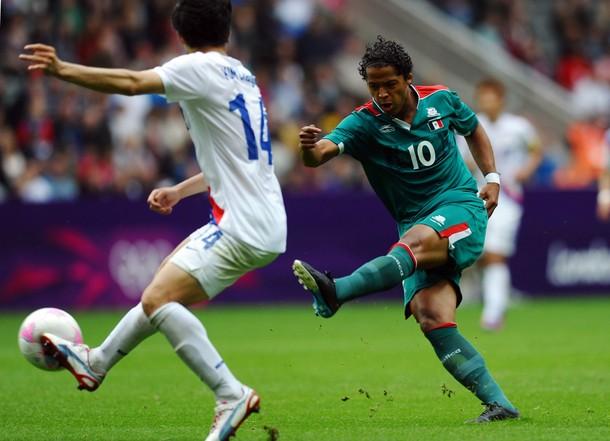 Джовани дос Сантос на матче олимпийских сборных Мексики и Южной Кореи (0:0)