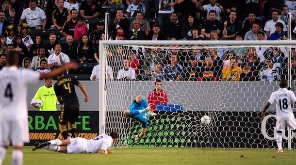 Гарет Бэйл открывает счёт в матче Лос Анджелес Гэлакси - Тоттенхэм Хотспур 1:1