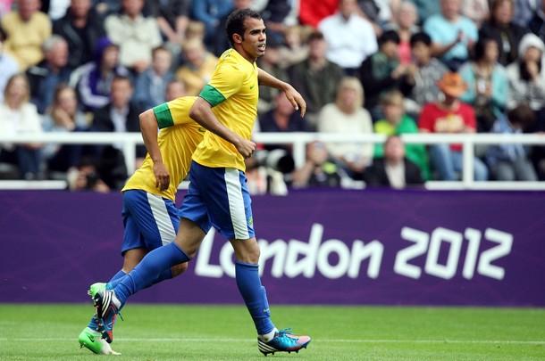 Кордейро Сандро забил гол за олимпийскую сборную Бразилии в матче с Новой Зеландией
