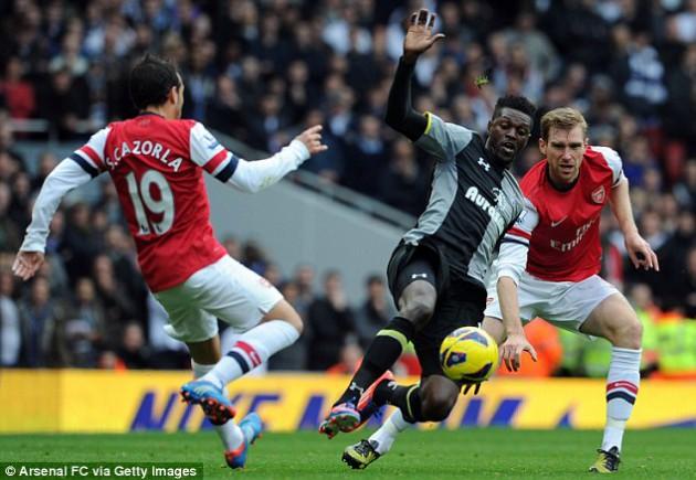 Удаление Эммануэля Адебайора стало ключевым в матче Арсенал - Тоттенхэм 5:2
