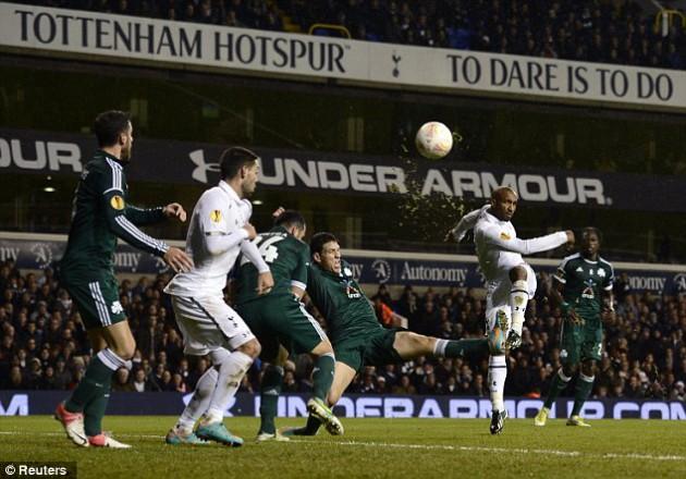 Джермейн Дефо своим голом поставил эффектную точку в матче Тоттенхэм - Панатинаикос 3:1