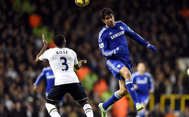 Дэнни Роуз и Диего Коста в матче Тоттенхэм - Челси 5:3