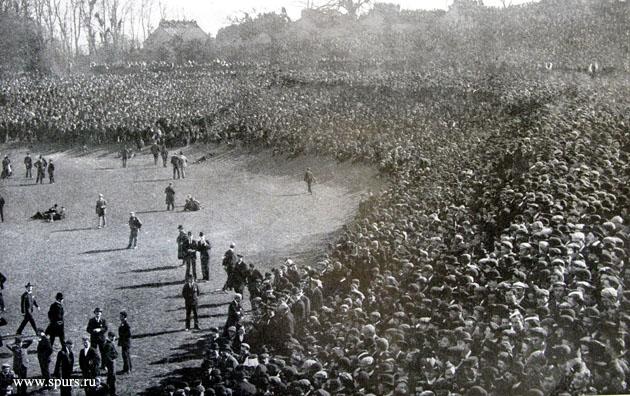 114815 болельщиков на первой матче финала Кубка Англии 1901 установили новый рекорд посещаемости
