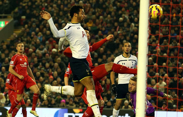 Не самый красивый, но очень нужный гол Муссы Дембеле. Ливерпуль - Тоттенхэм 3:2..