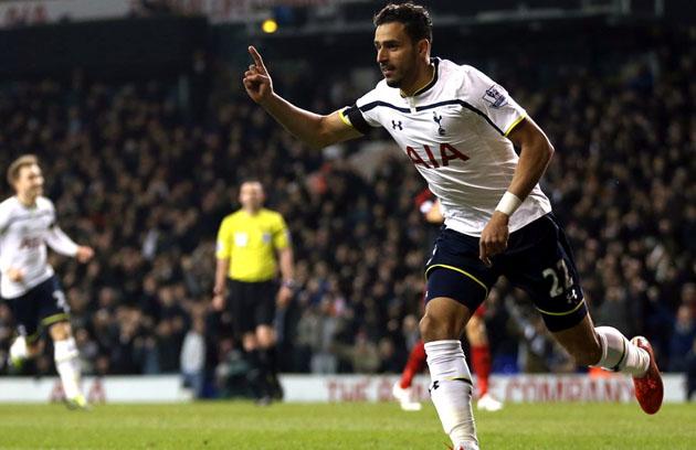 Насер Шадли открыл счёт в матче Тоттенхэм - Суонси Сити 3-2