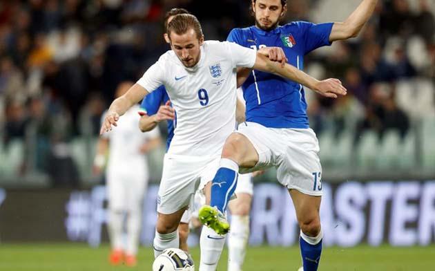 Харри Кэйн дебютировал в стартовом составе сборной Англии