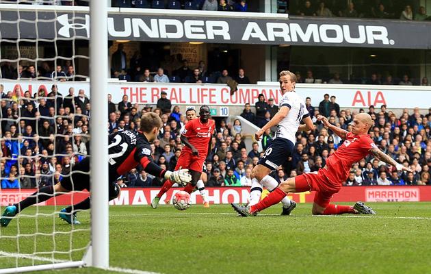 Харри Кэйн упустил как минимум пару моментов открыть счёт в матче с Ливерпулем