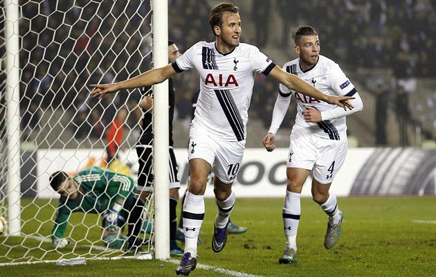 """Харри Кэйн празднует единственный гол в матче """"Карабах"""" - """"Тоттенхэм"""" (0:1)."""