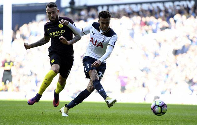Деле Алли забивает решающий мяч в матче Тоттенхэм - Манчестер Сити 2:0