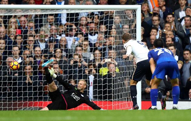 Винсент Янссен забивает свой первый мяч в Английской Премьер Лиге