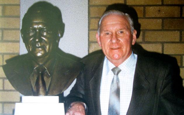 Статуя Николсона будет установлена на новом стадионе Шпор
