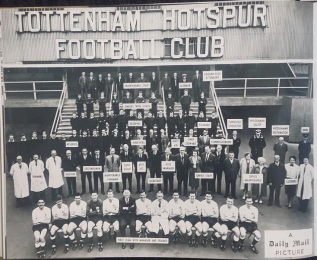 Чемпионский состав Билла Николсона снялся с 94-я членами штата Клуба  в 1961-м