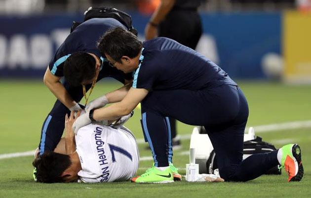 Сон Хын Мин сломал руку в матче сборной