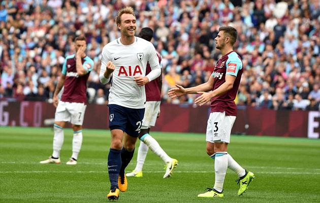 Кристиан Эриксен празднует свой гол в ворота Вест Хэма