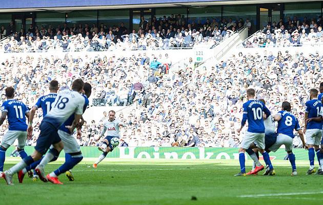 Кристиан Эриксен провёл не лучший свой матч, но со штрафного свой гол забил
