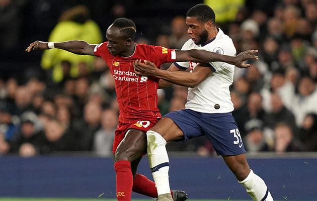 Джафет Танганга в дебютном матче АПЛ против Ливерпуля